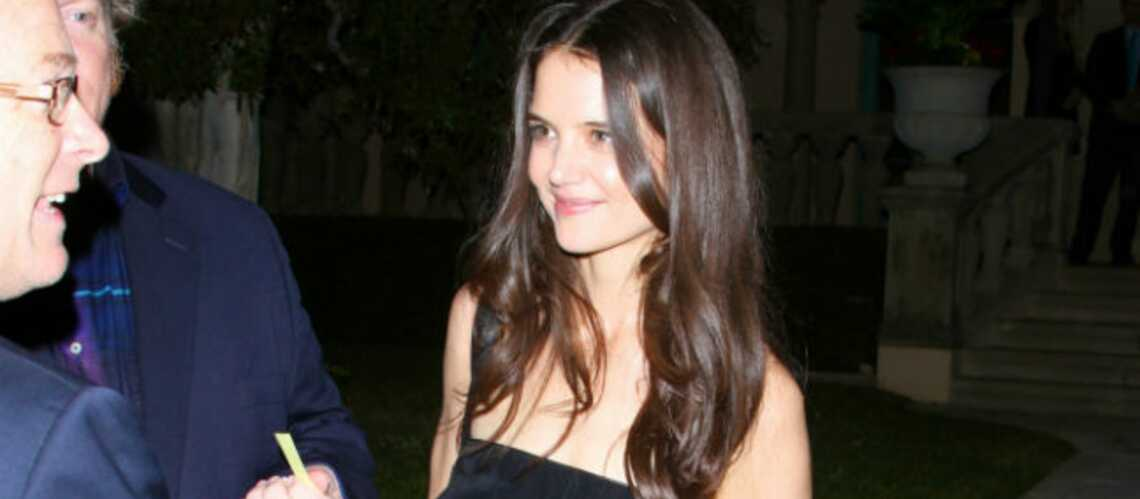 Katie Holmes, d'égérie à créa­trice make-up chez Bobbi Brown