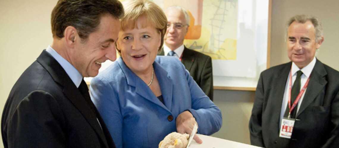 Photos: le cadeau d'Angela Merkel à Giulia Bruni-Sarkozy