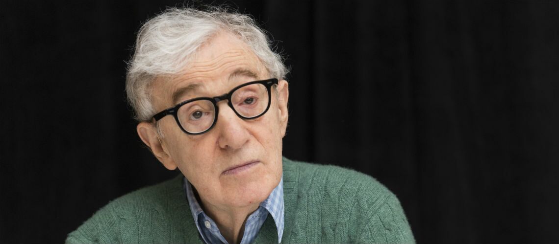 Le nouveau film de Woody Allen sujet à controverse à cause d'une scène avec une ado de 15 ans