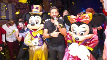 Photos – Cyril Hanouna fête son anni­ver­saire chez Mickey