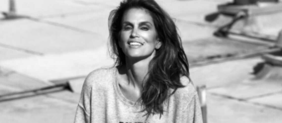 PHOTOS – Cindy Crawford, 50 ans, toujours au top!