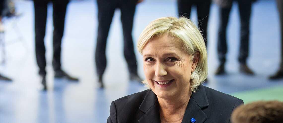PHOTO – Marine Le Pen montre ses cuisses dans sur son affiche de campagne et c'est fait exprès…