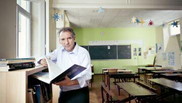 François Bayrou dans l'école de son enfance