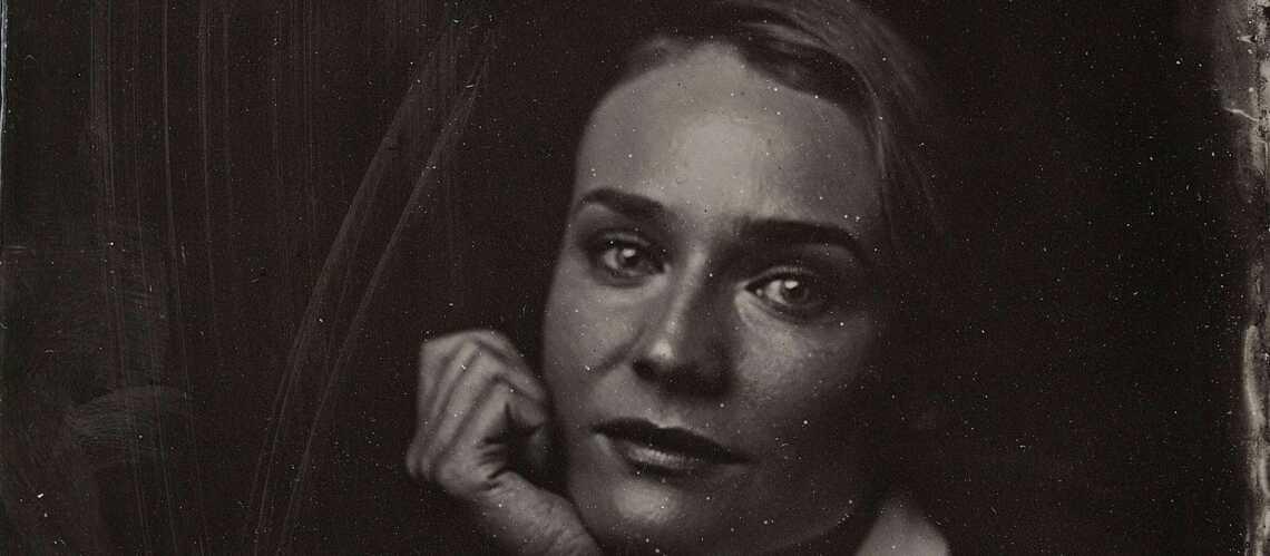 Photos – Diane Kruger, Anne Hathaway, Kristen Stewart posent en 1860