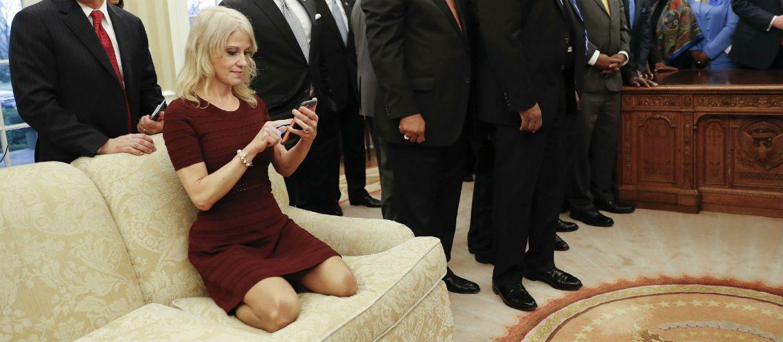 PHOTO – Donald Trump: une image de sa conseillère prise dans le bureau ovale fait scandale