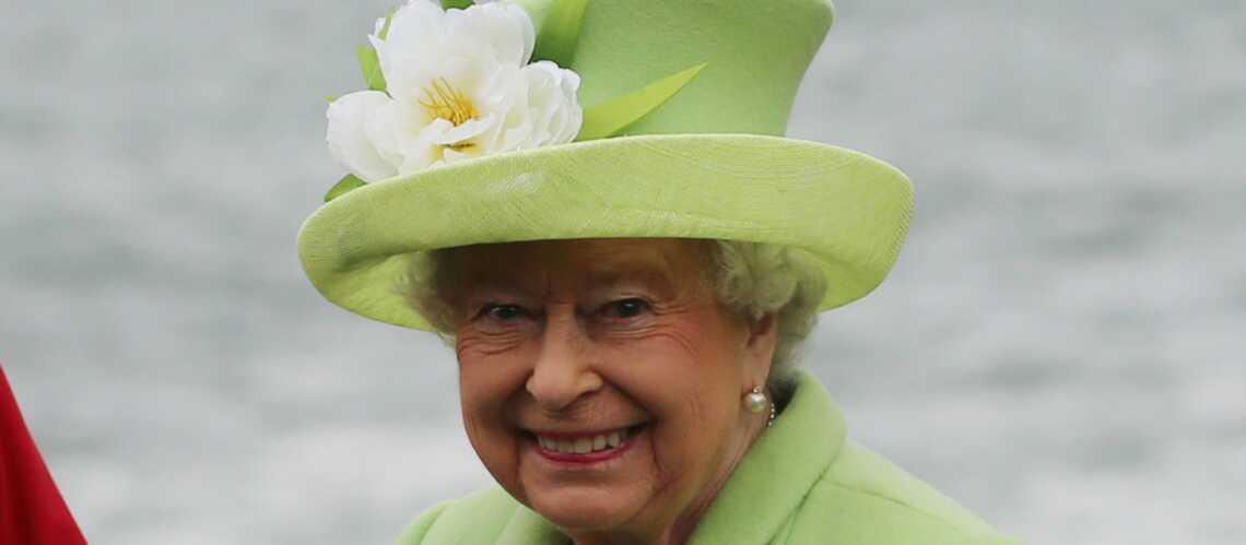 VIDEO –Le tube préféré, bien kitsch, d'Elisabeth II