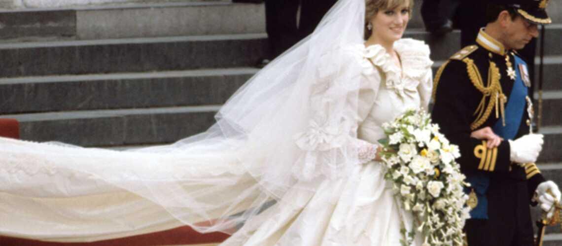 De Lady Di à Amy Winehouse: des robes de stars mises en vente