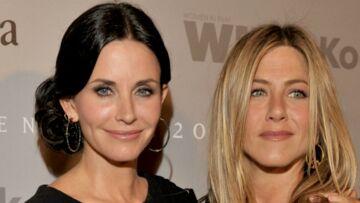 Divorce d'Angelina Jolie et Brad Pitt: Courteney Cox prend la défense de Jennifer Aniston