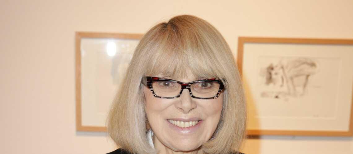 Mireille Darc revient tout sourire après ses hémorragies cérébrales
