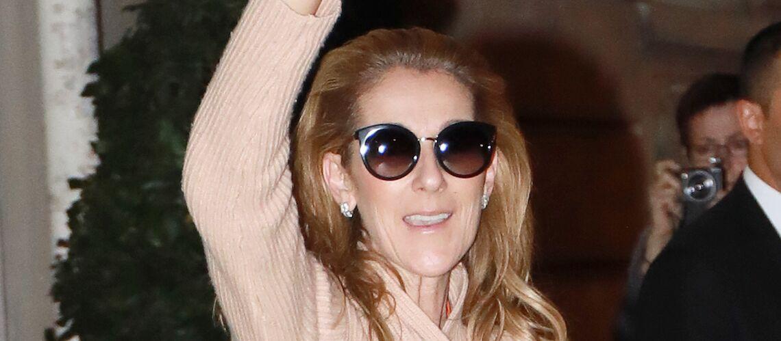 PHOTOS – Céline Dion, de retour de Birmingham, prend le temps de saluer ses fans à 2h du matin