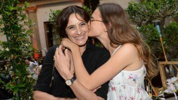 Gala By Night: Inès de la Fressange complice avec sa fille Violette en soirée