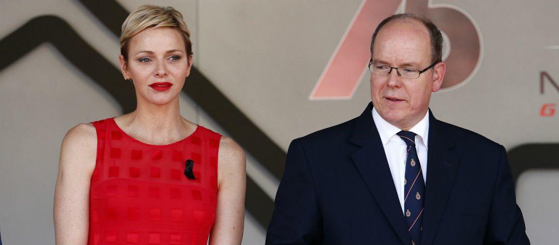 PHOTOS – Charlène de Monaco radieuse en robe rouge et rouge à lèvres glamour