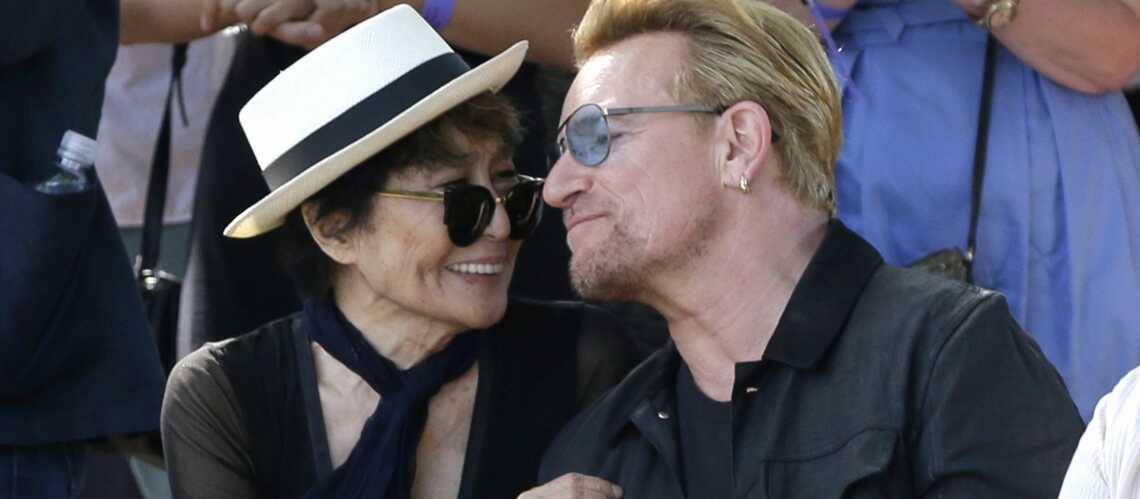 Yoko Bono rendent hommage à John Lennon