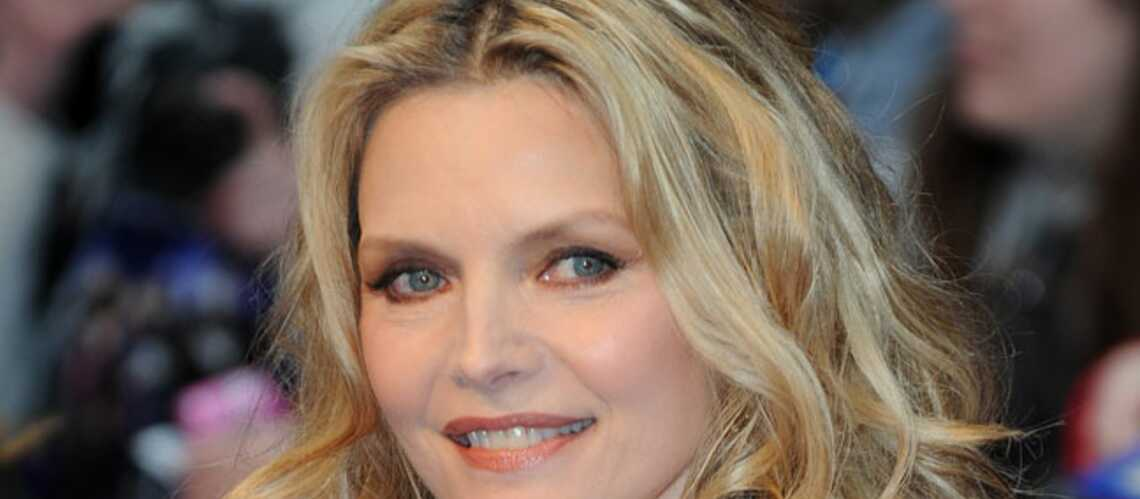 Michelle Pfeiffer rejoindrait De Niro devant la caméra de Luc Besson