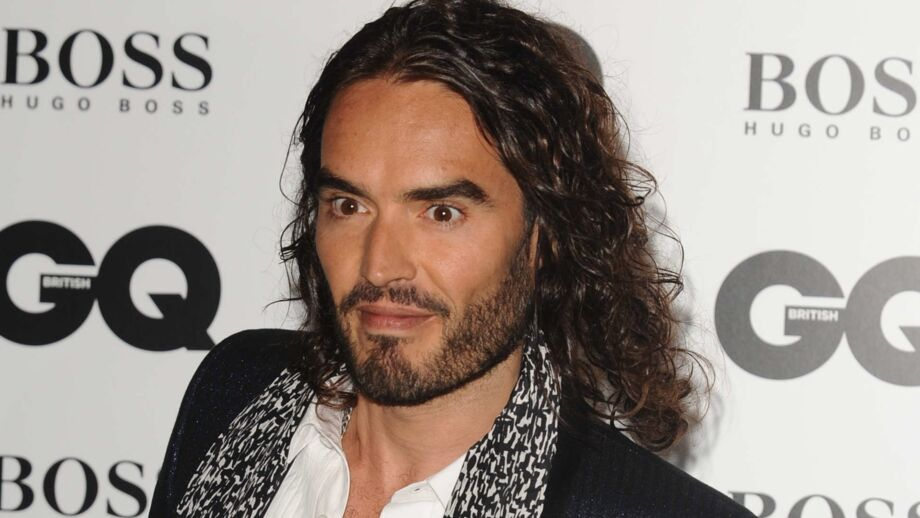 russell brand la biographie de russell brand avec. Black Bedroom Furniture Sets. Home Design Ideas